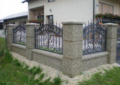 Stupovi i ograde (17)