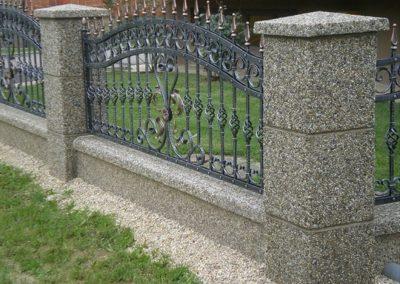 Stupovi i ograde (18)