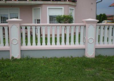 Stupovi i ograde (68)